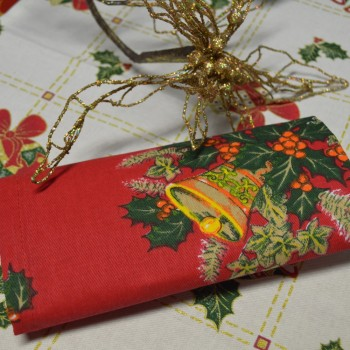 Tablechots, Table runners, Place mates, Napkins, with printed Christmas patterns