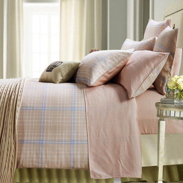Double-face flannel duvet cover set combined with plain color bed sheet set