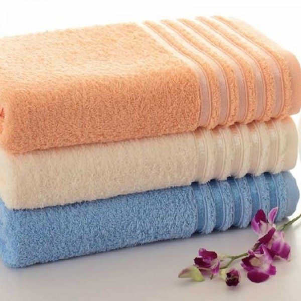 Bath towels with jacquard border in terry 100% cotton