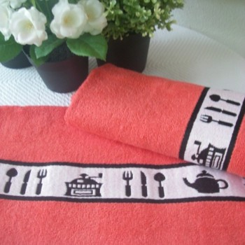 Terry kitchen towels with jacquard border.