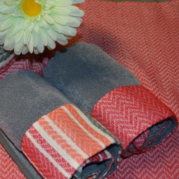 Terry kitchen towels with jacquard borders