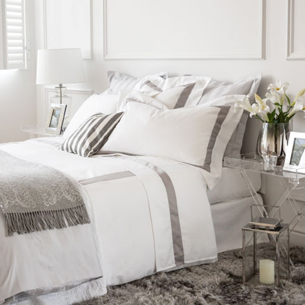 Textiles habitaci n teamstone teamstone - Almohadas para cama ...