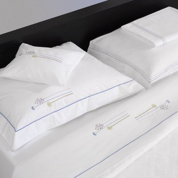 Flat sheet – Embroidered, pillow cases – embroidered, pillow cases and flat sheet with triple satin stitching.